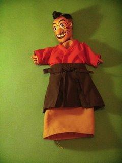 """Boneco do es petáculo: """"Shishi, O Comilão"""" do grupo Miyashiro Teatro de Bonecos"""